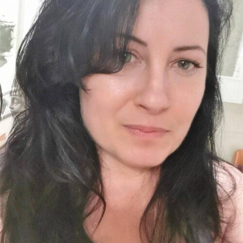 Mogen kvinna vill ge en bra avsugning i Örebro