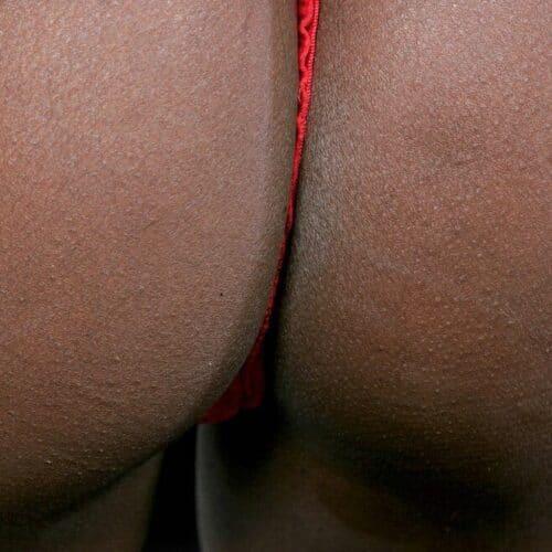 Afrikansk kvinna vill ha diskret sex