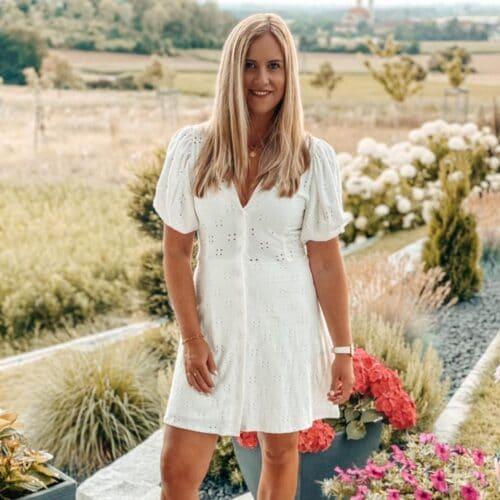 Ung blondin med rakad fitta söker kk i Kronoberg