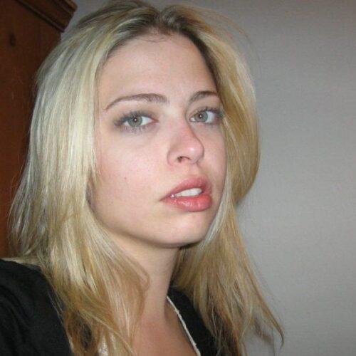 Blond kåt smutsig tjej söker man för telefonsex